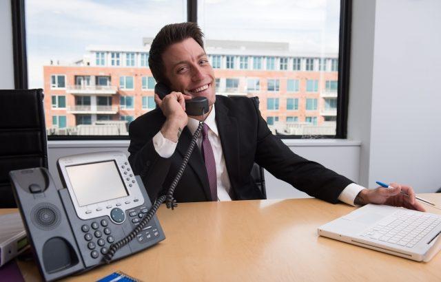 ホワイト光電話ってなに?料金・サービス・機能を徹底解説!ソフトバンク 光のお得な固定電話を使おう